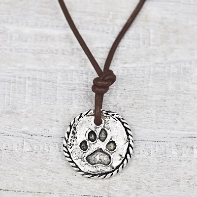 "<inline style=""color: rgb(95, 73, 122); font-size: 16px;"">'Love Has Paws' Necklace</inline>"